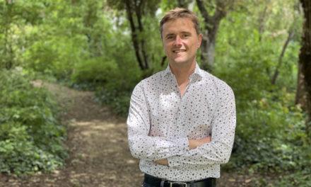 Avec Baptiste, une entreprise qui travaille pour notre futur : Créateur de forêt :)